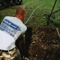 GKB-Monteur beim Einrichtvorgang Bodenverdrängungsverfahren-Erdrakete
